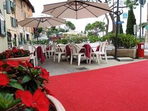 Esterno Hotel Touring Gardone